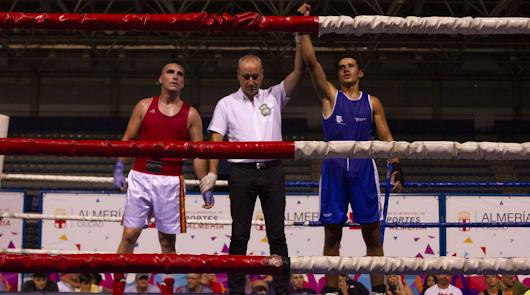 El boxeo golpea fuerte con 7 combates y numeroso público