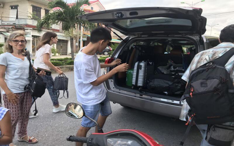 Thuê xe du lịch 7 chỗ tại Quảng Bình QBTravel