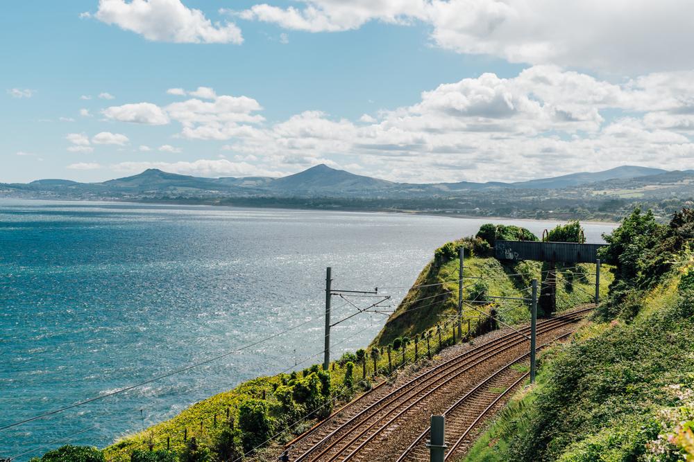 愛爾蘭打工遊學打工度假必去景點海岸線郊區
