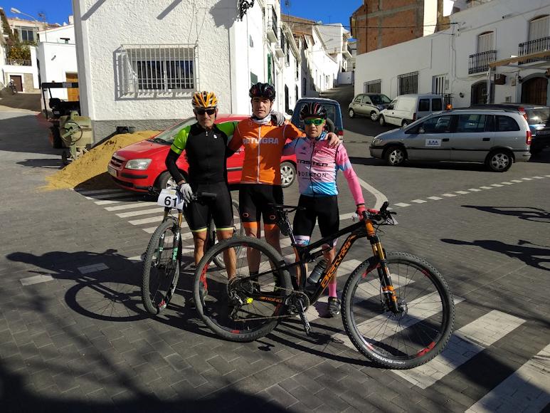 Los tres primeros en Uleila del Campo.