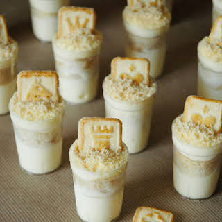 Mini Banana Pudding Dessert Shooters.