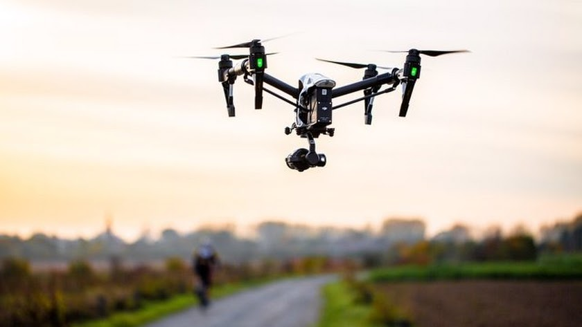Estos drones son capaces de detectar cada vez que una persona hace un uso incorrecto del cinturón o del movil.