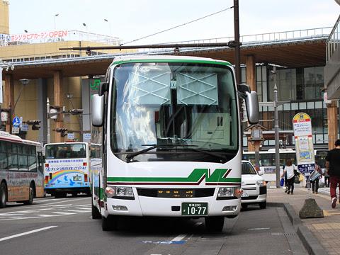 新潟交通「新潟~長野線」 1077 長野駅前にて_02