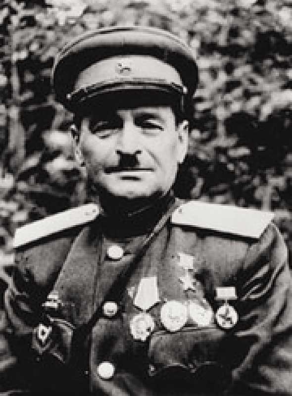 Козырь Максим Евсеевич - командир 84 осмбр с 16.12.41