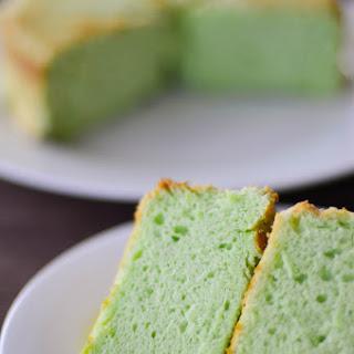 Fluffy Pandan Chiffon Cake