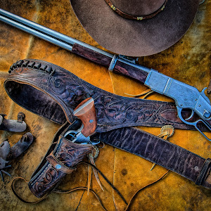 RonMeyers_ArizonaFlatLayGuns-1.jpg
