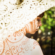 Wedding photographer Evgeniya Ulyanova (honeyrnd). Photo of 29.05.2015