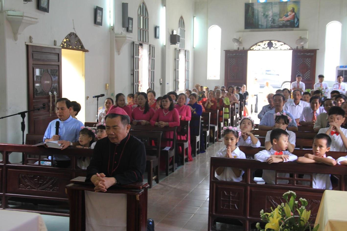 Giáo xứ Ngạn Sơn: Thánh lễ Bổn mạng và Làm phép Nhà mới - Ảnh minh hoạ 4