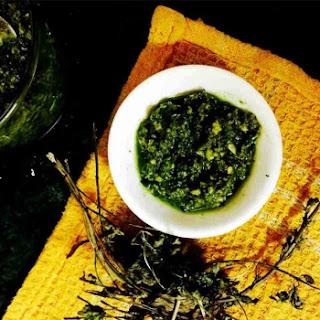 5 Ingredient Pesto Sauce