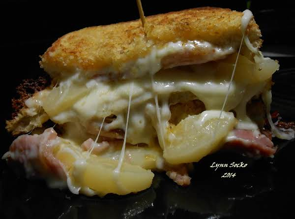 Porkie Pear Sammie W/potato Chip Crusted Bread Recipe