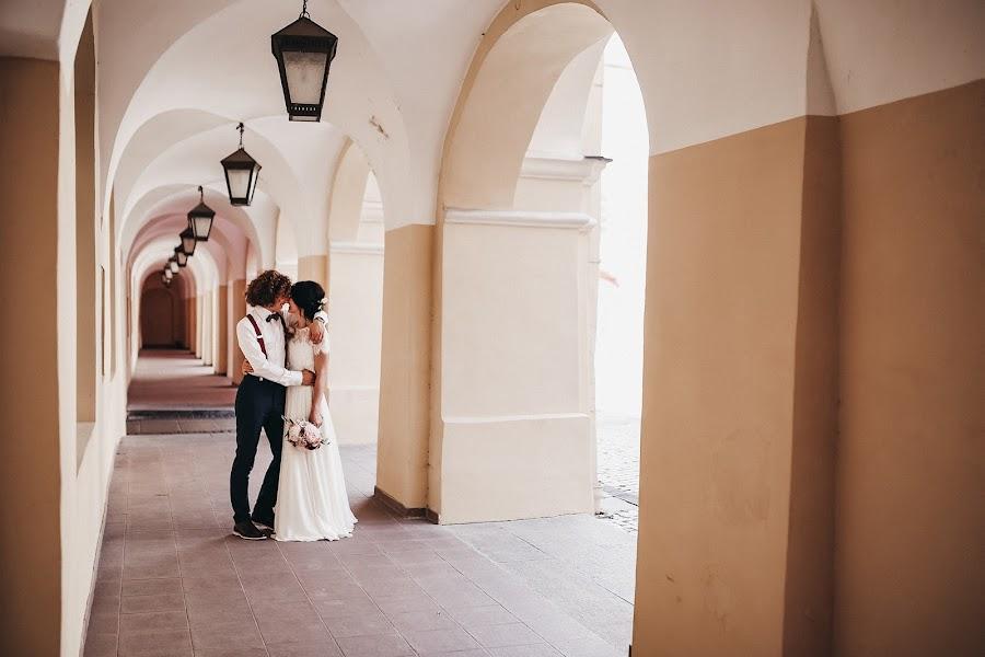 Vestuvių fotografas Alina Saulius (twosidesphoto). Nuotrauka 12.11.2019