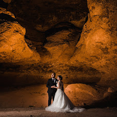 Wedding photographer Alex y Pao (AlexyPao). Photo of 27.12.2018