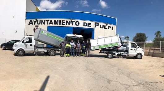 Concejal de Obras y Servicios junto al personal del Ayuntamiento.