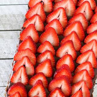 Gluten Free Vegan No-bake Strawberry Chocolate Tart.