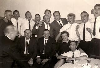 Photo: biljartclub Voor in het midden Rieks en Jantje Oosting-Rabs, rechts Roelof Vedder Gzn.
