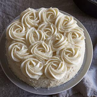Easy White Rosette Cake.
