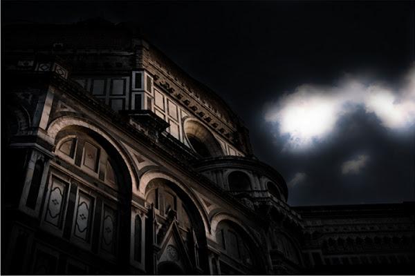 L'architettura è grande dopo il tramonto di ange_lalla