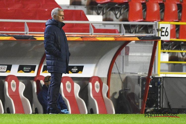 """Mourinho kan er niet mee lachen: """"Slechte prestaties verdienen een slecht resultaat. Morgen training om 11 uur"""""""