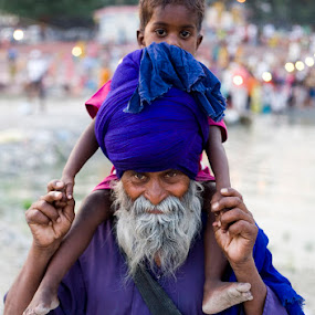 sikh  pilgrim of hem kund saheb with grand son. by Santosh Pandey - People Portraits of Men