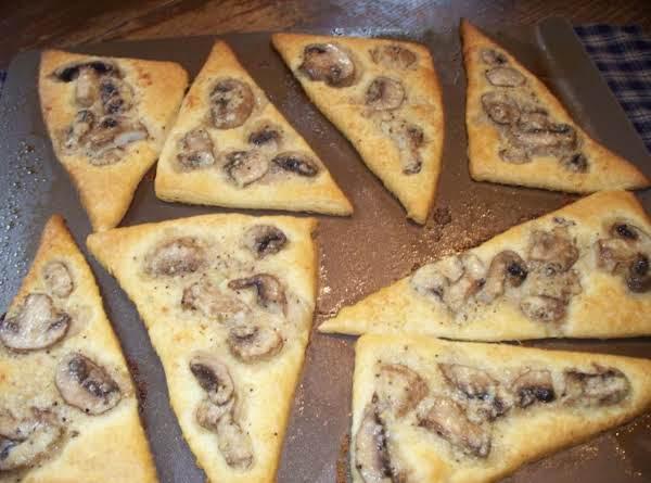 Easy And Yummy Mushroom Bread Wedges Recipe