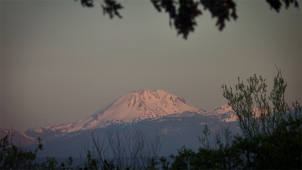 Sundown On Lassen.jpg