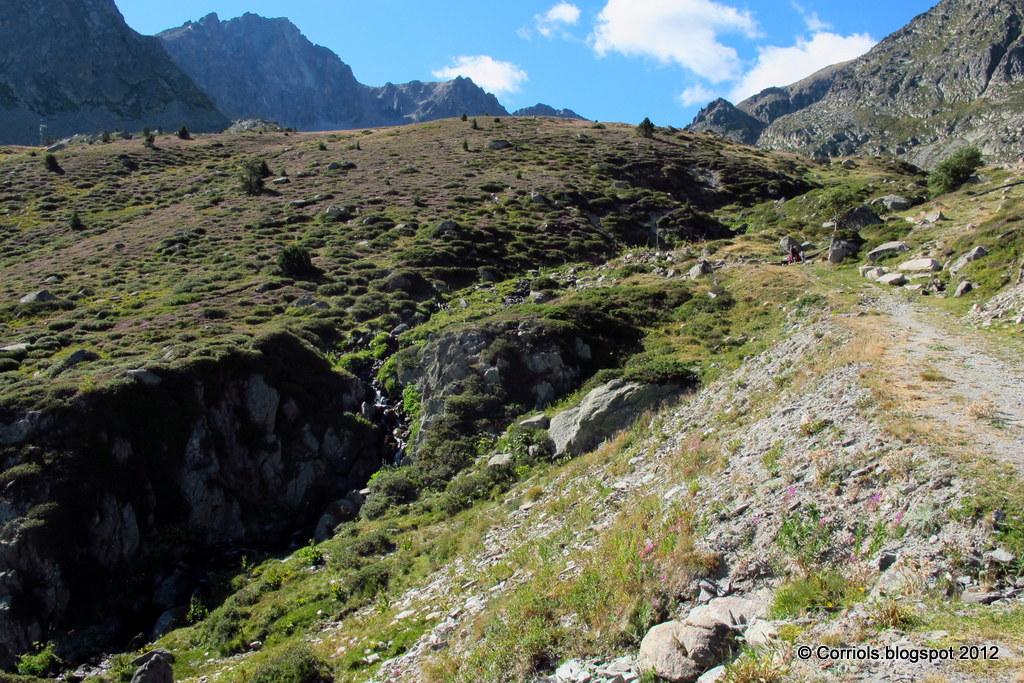 Photo: Inici de la ruta al costat de les pistes