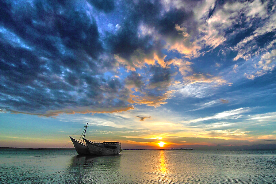 silent.. by Asri To' - Landscapes Sunsets & Sunrises