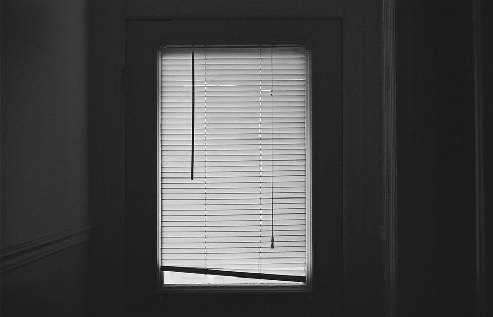 blinds-407025_960_720.jpg