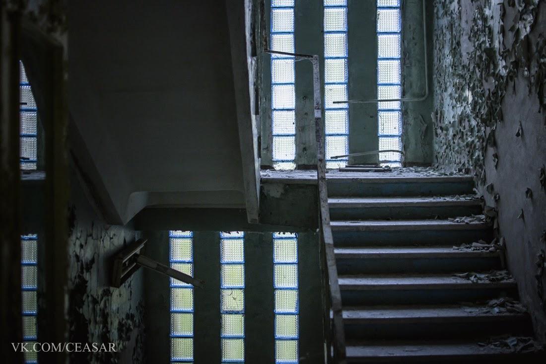 Лестница в школе