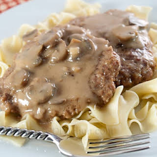 Slow Cooker Cube Steak And Gravy.