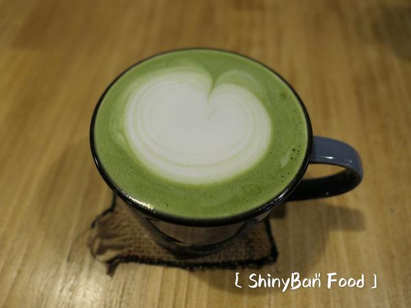 台北中山—白蓮達|店貓達達陪你一起看書發呆喝咖啡
