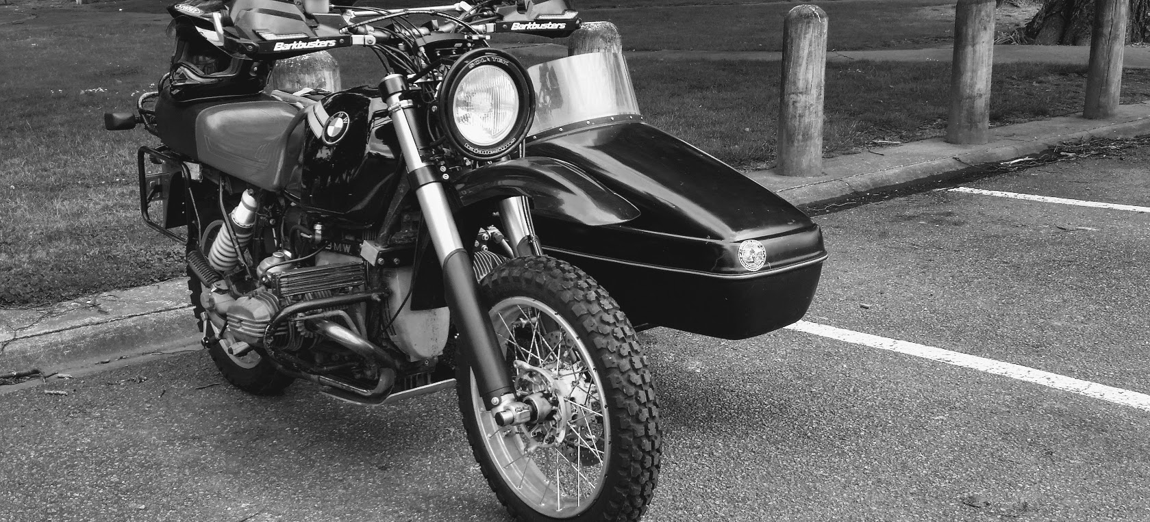 Modified BMW R100GS with Velorex 562 sdecar