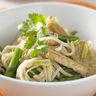 Stir-Fried Noodles with Asparagus and Tempeh Recipe