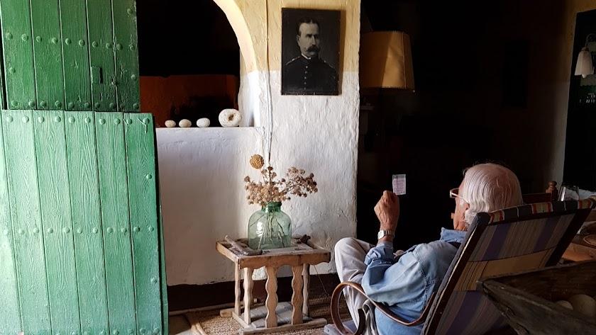 Carlos Pérez Siquier en La Briseña (Foto: Ramón Crespo)
