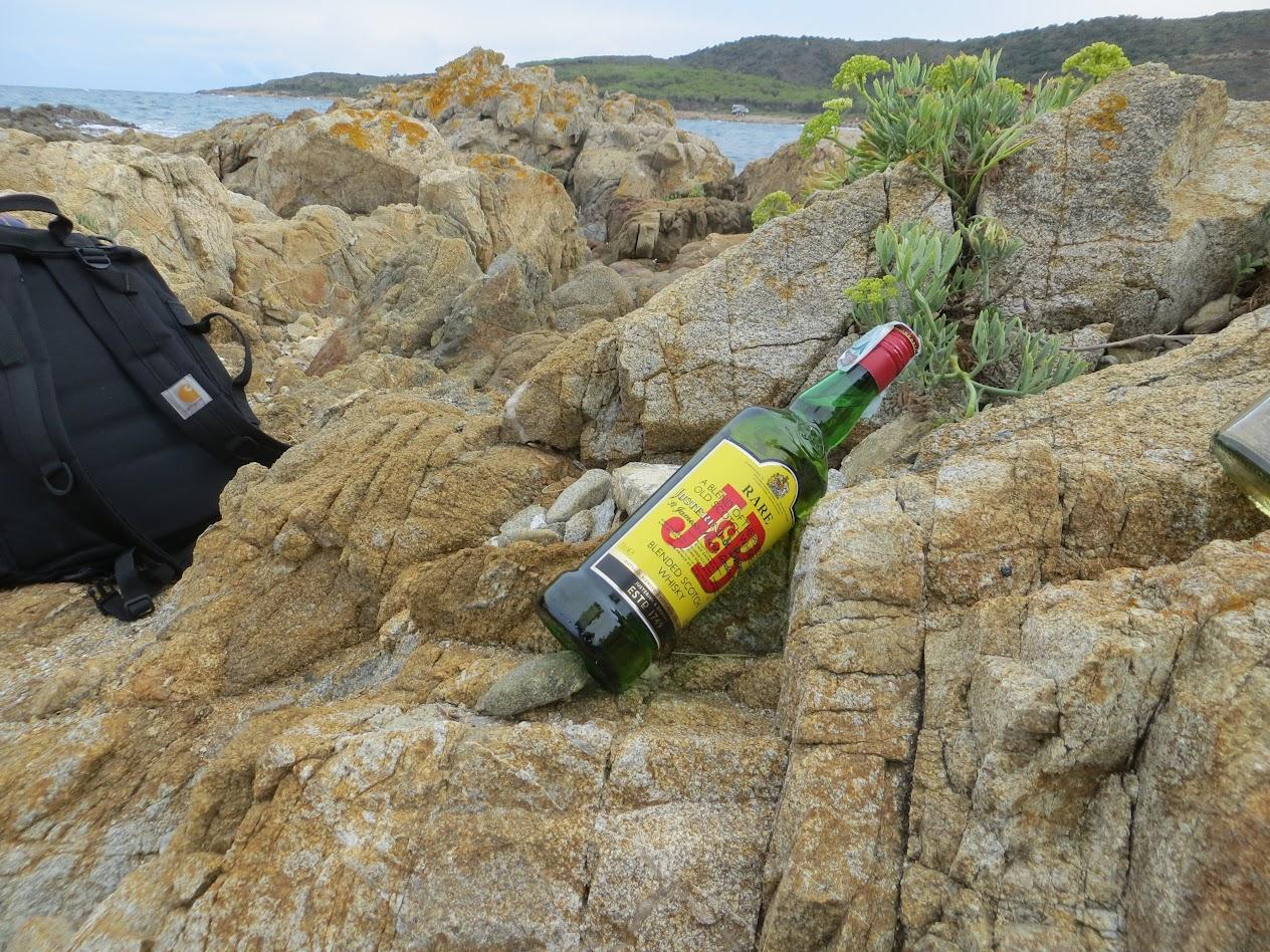 Виски J&B на берегу Сардинии