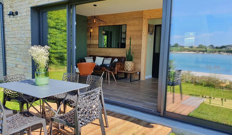 Maison en bord de mer avec jardin Kerlouan