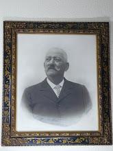 Photo: Su padre, Martín González (Cuadro del Museo)