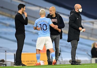 Guardiola vole à la rescousse d'Aguero critiqué pour un geste déplacé