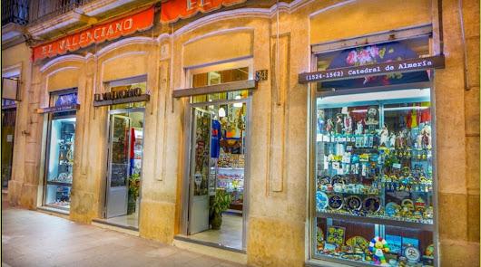 Vuelve 'El Valenciano', el comercio más antiguo de Almería