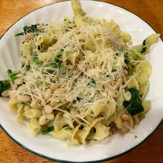 Garlicky Pasta With Beans and Broccoli Rabe.