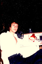 Photo: Playing an 11-minute track @ 9.30 pm on a Tuesday. This was going to be a long night @ the Taipan Club @ the Miramar Hotel. Early 1978.