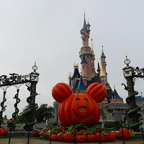 by Vivek Suryanarayana - Buildings & Architecture Statues & Monuments ( pumpkins, halloween )