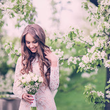 Wedding photographer Yuliya Petrenko (YuliyaPetrenko). Photo of 13.05.2015