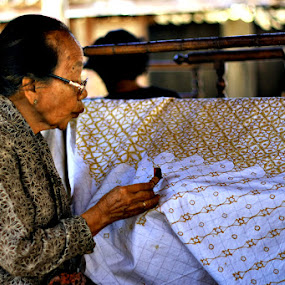 Membatik by Yudhi Hendra - People Portraits of Women