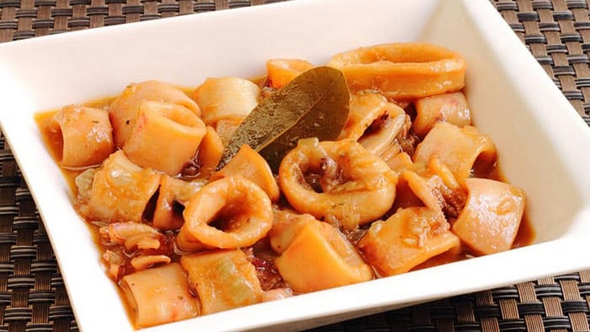 Calamares en salsa americana.
