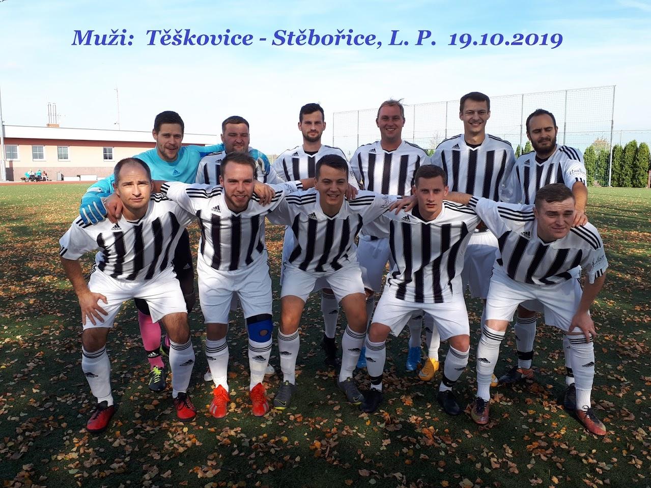 Společné foto fotbalistů můžstva Těškovic před utkáním.