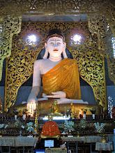 Photo: Burmese-style Buddha, Wat Chong Kham