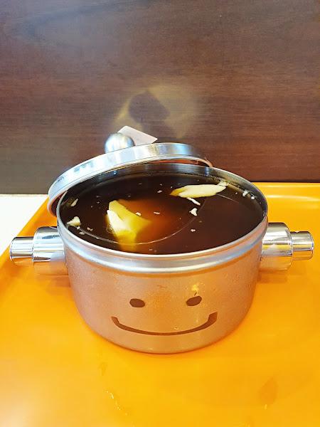 """台中西屯美食 打鐵豆花 ~ 便當盒裡裝的不是飯菜,是好吃的豆花,超可愛的 """" 鐵 """"定好吃的豆花。。。"""