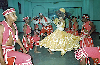 Photo: Danse d'orichas (Ochun & Chango) Conjunto Folklorico de Oriente - 1992