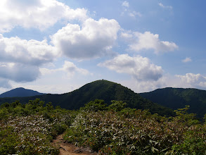 南丈競山(右に浄法寺山)